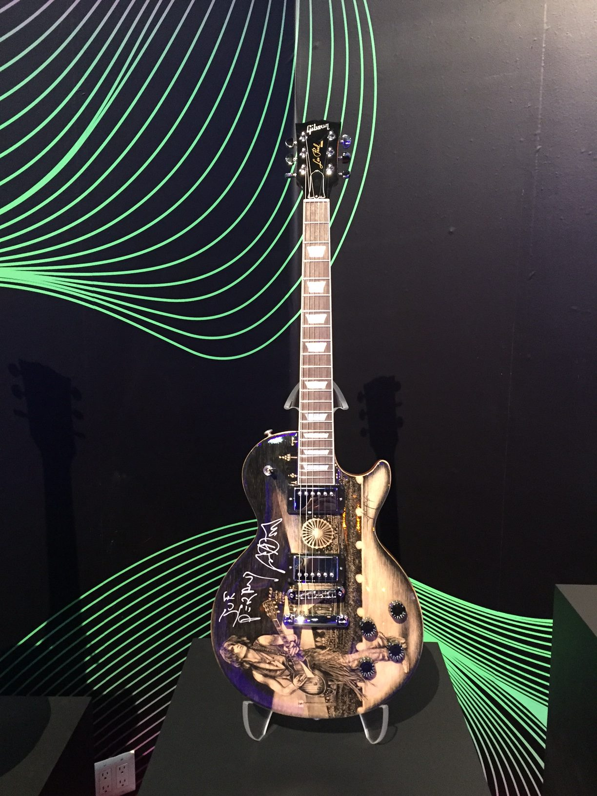 Joe auctions off custom Gibson guitar!